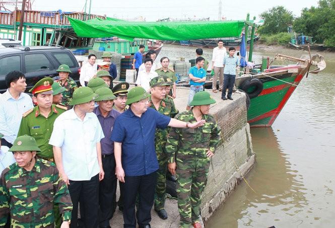 Deputi PM Pemerintah, Trinh Dinh Dung melakukan kunjungan kerja di kota Hai Phong - ảnh 1
