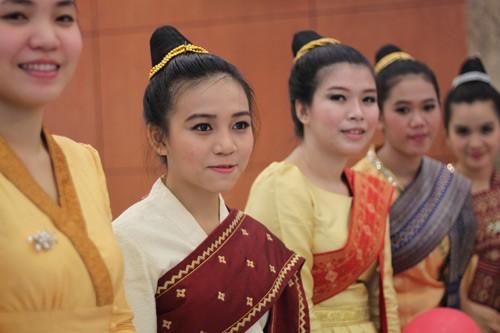 Menciptakan syarat yang kondusif  bagi mahasiswa Kamboja yang sedang menempuh kuliah di Vietnam - ảnh 2