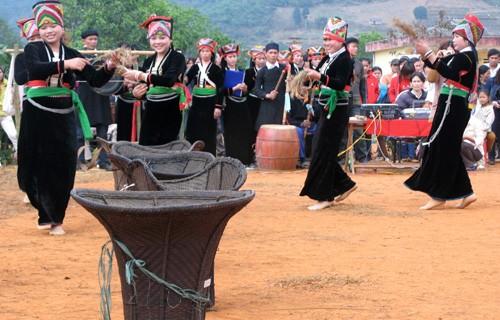 Selar hutan pegunungan dalam kehidupan dan permusikan  warga etnis minoritas Kho Mu - ảnh 1