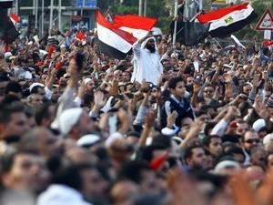 ບັນດາຜູ້ພິພາກສາ ອີຢິບ ຄັດຄ້ານລັດຖະດຳລັດ ໃໝ່ ຂອງປະທານາທິບໍດີ Morsi - ảnh 1