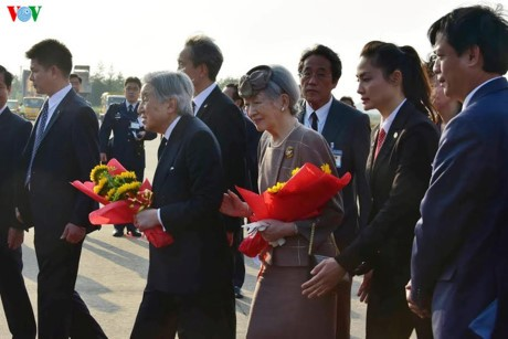ພະເຈົ້າຈັກກະພັດ Akihito ແລະ ພະມະເຫສີ ຍີ່ປຸ່ນຢ້ຽມຢາມລາດຊະວັງເຫ້ວ - ảnh 1
