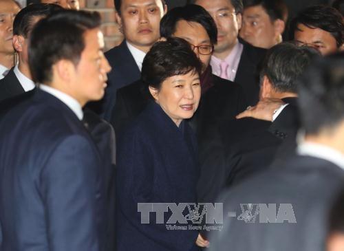 ທ່ານນາງປະທານາທິບໍດີ ສ.ເກົາຫຼີ ຖືກປົດຕຳແໜ່ງ Park Geun-hye ຝາກຄຳຂໍໂທດເຖິງປະຊາຊົນ - ảnh 1
