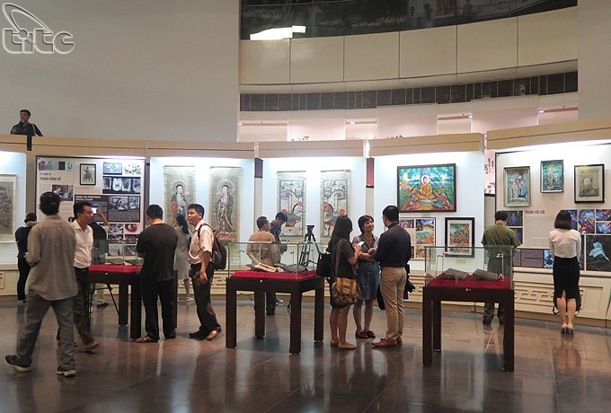 Twelve typical Vietnamese folk paintings exhibit in Ha noi - ảnh 1