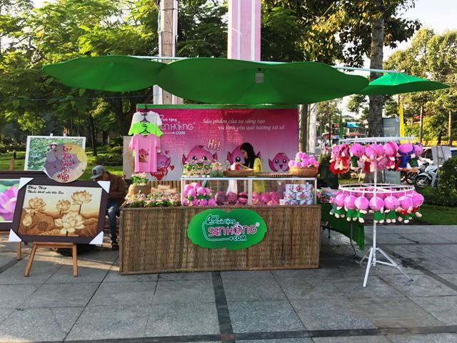 Mekong Delta festival highlights lotus - ảnh 1