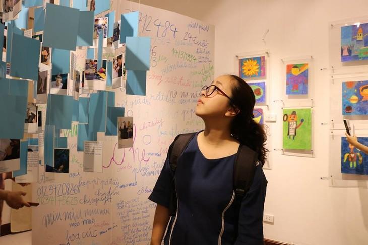 IU.IU.IU Exhibit- Life through the eyes of artists with autism - ảnh 1