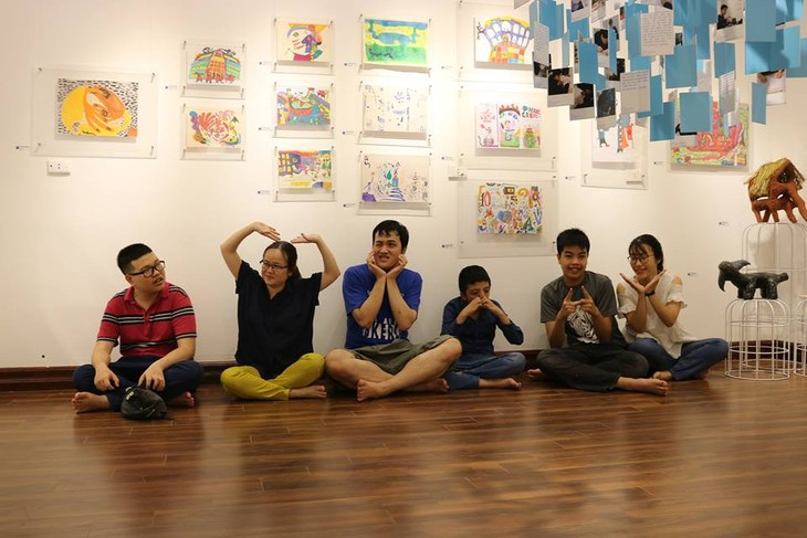 IU.IU.IU Exhibit- Life through the eyes of artists with autism - ảnh 3
