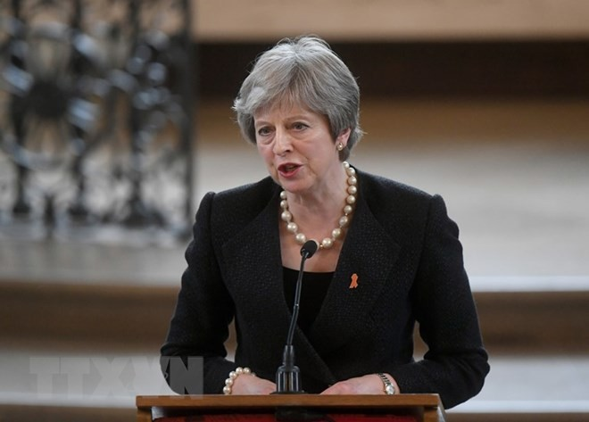 Theresa May wins vote in parliament on Brexit - ảnh 1