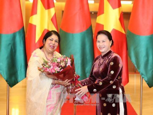 Presidenta del Parlamento bangladesí concluye su visita a Vietnam - ảnh 1