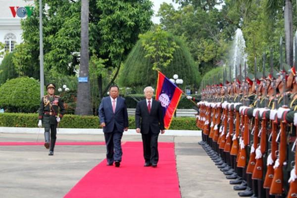 Las relaciones Vietnam-Laos siguen prosperando - ảnh 1