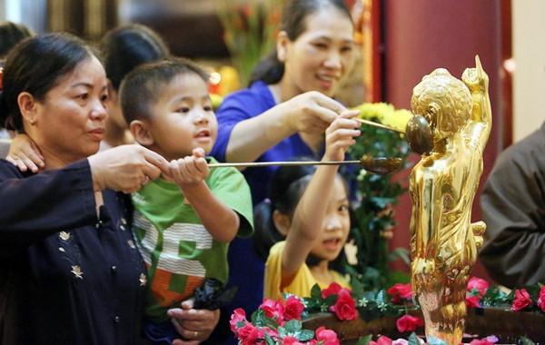 Vietnam promueve aún más la solidaridad religiosa a favor de desarrollo nacional - ảnh 1