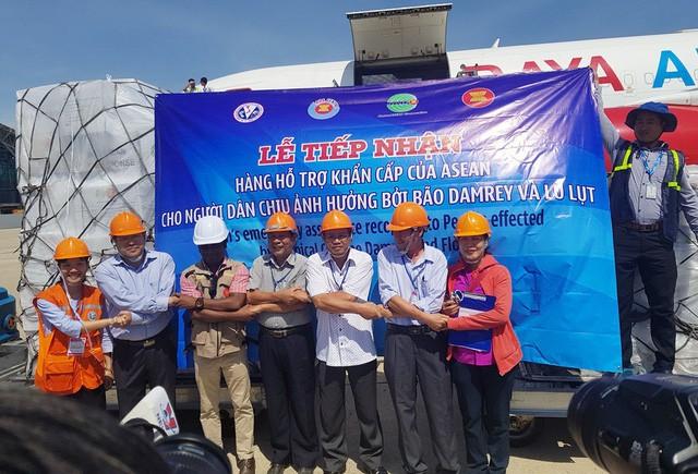 La ayuda humanitaria de la ASEAN llega a Vietnam - ảnh 1