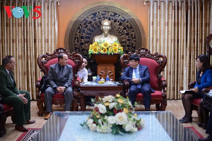 Vietnam y Cuba afianzan la cooperación en la radio y teledifusión - ảnh 1