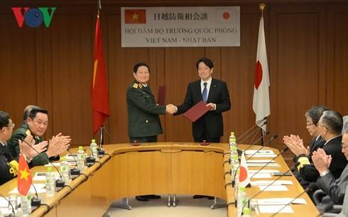 Vietnam y Japón fortalecen la cooperación en defensa para la próxima década - ảnh 1