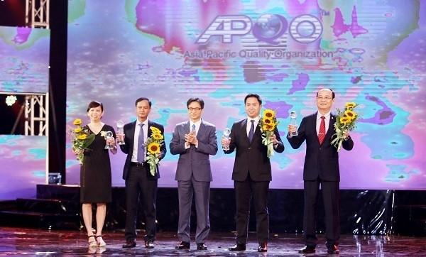 Vietnam reconoce a las mejores empresas en el suministro de productos de alta calidad  - ảnh 1