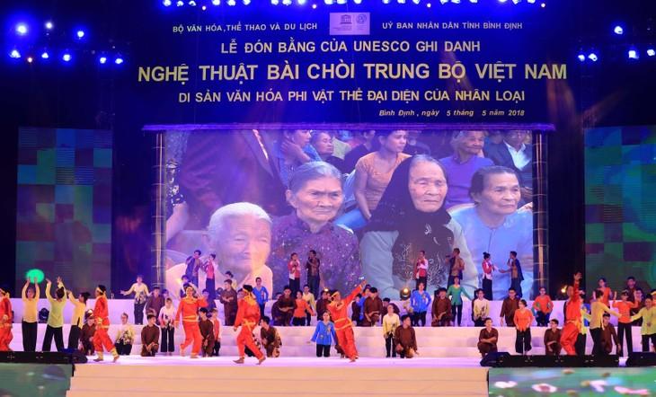 """Vietnam recibe el reconocimiento de la Unesco al canto """"bài chòi""""  - ảnh 1"""