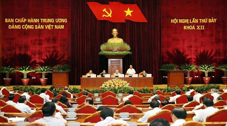 Sigue el VII pleno del PCV con debates sobre el personal del sector público - ảnh 1