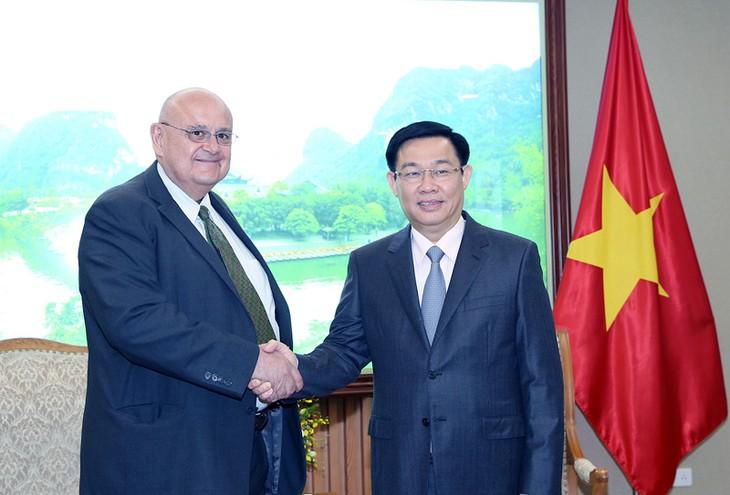 Vietnam fortalece cooperación multifacética con Brasil y Estados Unidos - ảnh 1