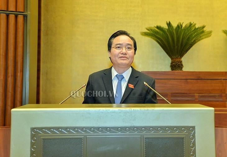 Parlamento de Vietnam analiza proyecto jurídico para educación superior - ảnh 1