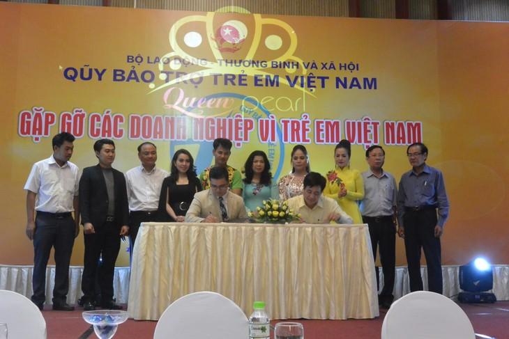 Vietnam impulsa el apoyo financiero a los niños en situación difícil - ảnh 1