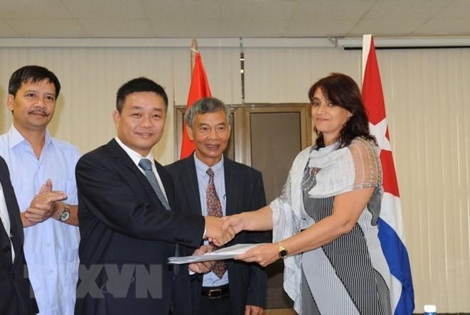 La cooperación empresarial Vietnam-Cuba muestra nueva etapa de solidaridad en Zona Mariel - ảnh 1