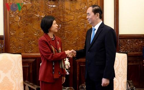 Presidente de Vietnam recibe a embajadoras de Canadá y Bélgica - ảnh 1