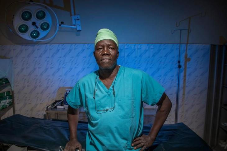 La ONU entrega el premio Nansen a un médico de Sudán del Sur - ảnh 1