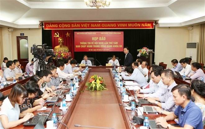 Vietnam a punto de celebrar el VIII pleno del Comité Central del Partido Comunista - ảnh 1