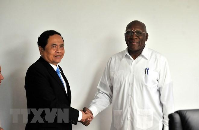 Dirigentes de Cuba aprecian potencialidades de cooperación con Vietnam - ảnh 1