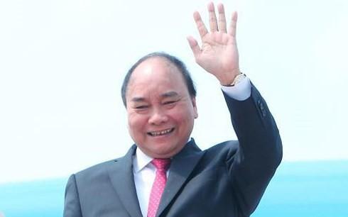 Jefe de Ejecutivo de Vietnam participa en la primera feria de importación de China - ảnh 1
