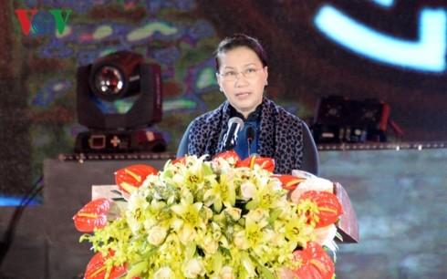 Celebran vibrantes actividades conmemorativas de 74 años del Ejército Popular de Vietnam - ảnh 1