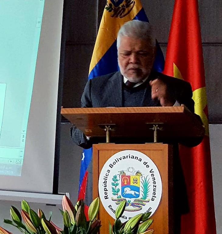 Celebran en Hanói rueda de prensa de solidaridad con el pueblo venezolano  - ảnh 1