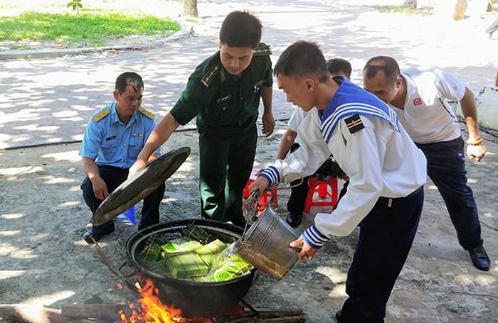 Tet de unidad nacional en el distrito de Truong Sa   - ảnh 1