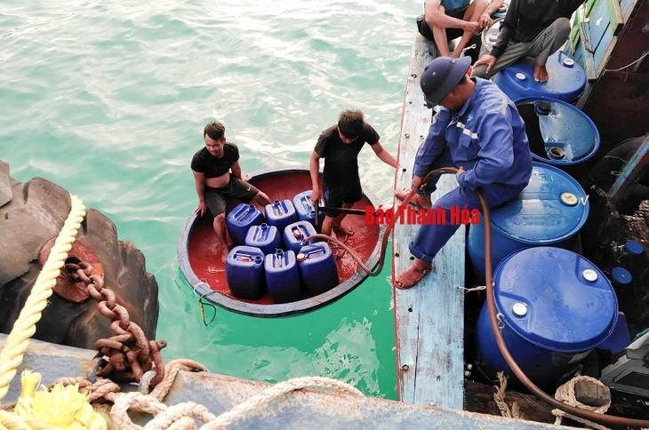 La esclusa marítima de Sinh Ton, soporte para los pescadores en Truong Sa - ảnh 2