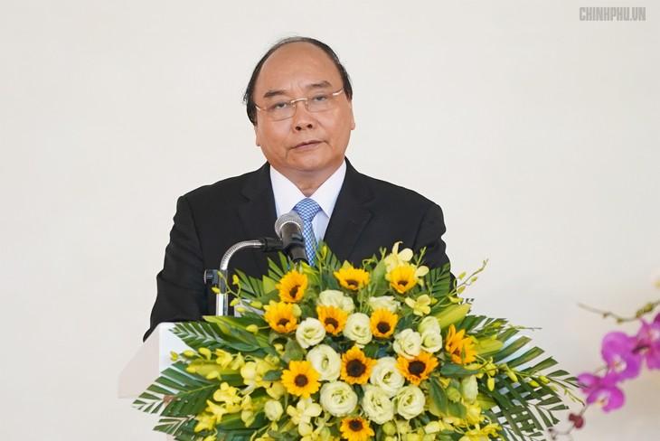 Primer ministro orienta el desarrollo de localidades importantes del centro de Vietnam - ảnh 1