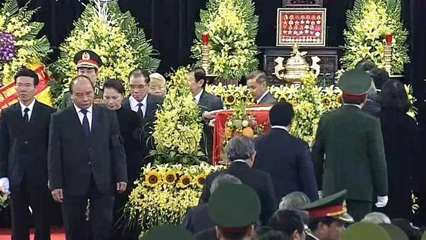 Vietnam realiza ceremonia fúnebre en honor del expresidente Le Duc Anh - ảnh 1