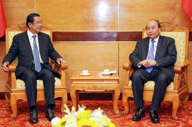 Primer ministro de Vietnam recibe a dirigentes de Camboya y Laos - ảnh 1