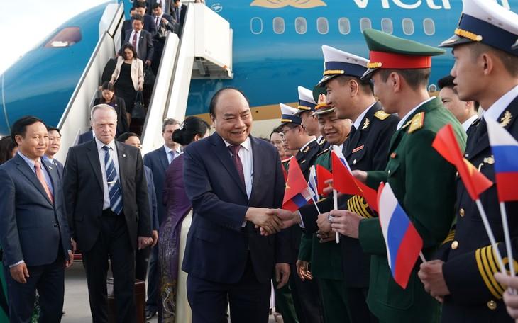 Primer ministro de Vietnam comienza agenda de trabajo en Rusia - ảnh 1