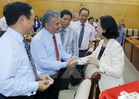 Felicitan a nuevos embajadores y cónsules generales vietnamitas en ultramar  - ảnh 1