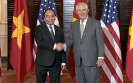 Premier vietnamita concluye exitosamente visita a Estados Unidos  - ảnh 1