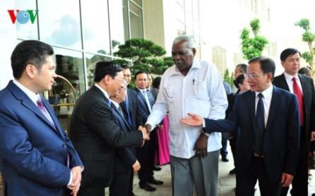 Presidente parlamentario cubano visita provincia de Son La - ảnh 1
