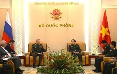 Vietnam y Rusia fortalecen sus nexos en defensa  - ảnh 1