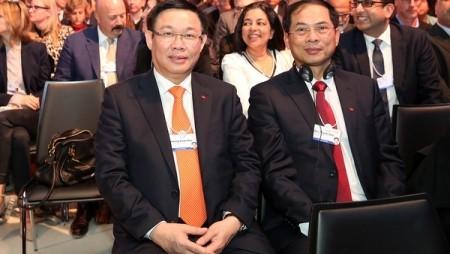 Viceprimer ministro de Vietnam inicia actividades en el Foro Económico Mundial 2018 - ảnh 1