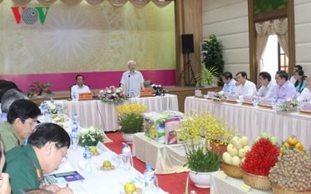 Líder partidista de Vietnam se reúne con las autoridades de Dong Thap  - ảnh 1