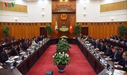 Vietnam y Myanmar buscan impulsar la cooperación multisectorial  - ảnh 1