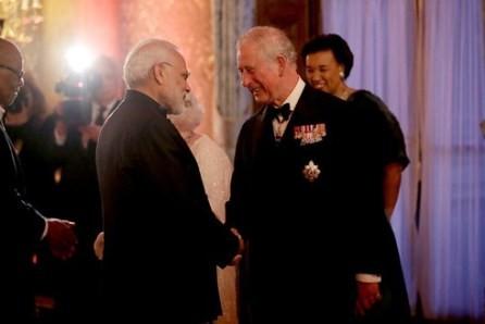 El príncipe Carlos sucederá a la reina Isabel II - ảnh 1