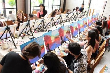 Tipsy Art, un lugar fantástico para pintores aficionados - ảnh 1
