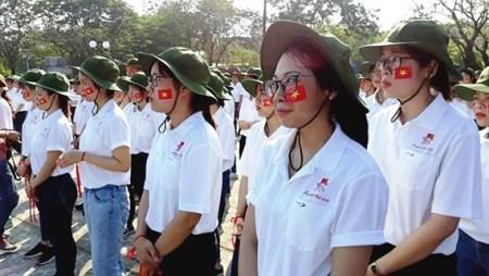 Presentan a 300 voluntarios jóvenes del Festival Hue 2018  - ảnh 1