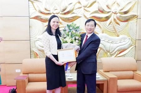 Honran a la embajadora saliente de Polonia en Vietnam  - ảnh 1