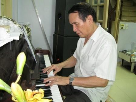 The Song, autor de famosas canciones sobre mar e islas patrias  - ảnh 1