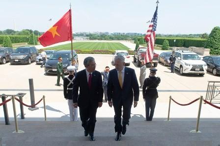 Vietnam y Estados Unidos fortalecen la cooperación en defensa y seguridad nacional - ảnh 1
